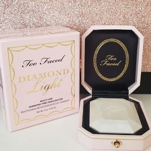 Too faced diamond highlighter-SOLD